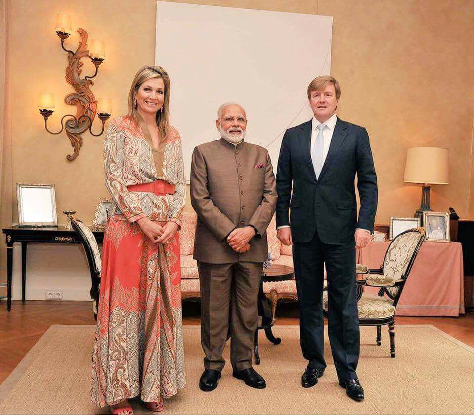 modi with king and queen